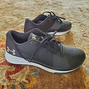 Under Armour size 7 sneakers